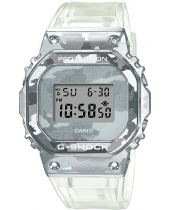 Casio GM-5600SCM-1E